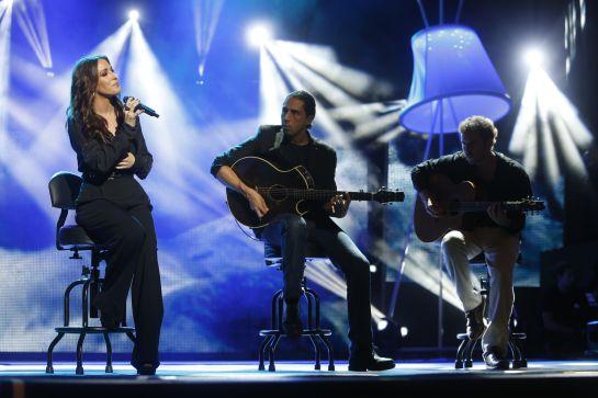 La cantante Malú durante su actuación en los premios Ondas.