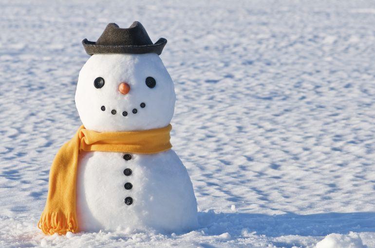 Un clérigo cree que hacer muñecos de nieve es antiislámico.