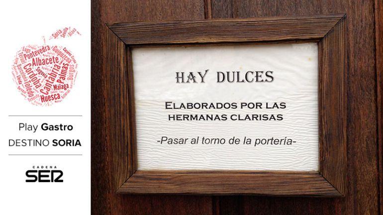 En la puerta del convento de Medinaceli hay un cartel que anuncia los productos que elaboran las monjas.