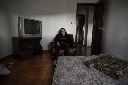 María, en el interior de la casa donde vivía hasta hoy