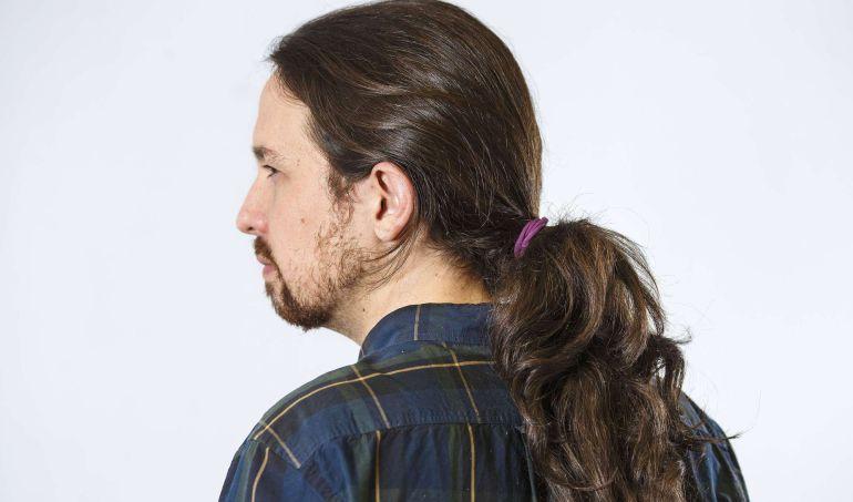 Pablo Iglesias,líder de Podemos, posa antes de una entrevista.