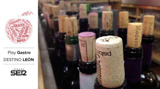 A los leoneses les gusta el vino... ¡y la variedad! En el Bar Ezequiel tienen más de 50 botellas abiertas.