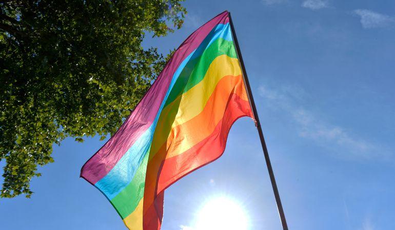 Gay Peleando Por Un Hombre видео :: WikiBitme