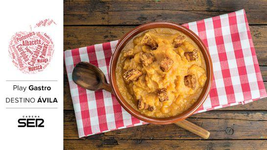 ¡No se puede pasar por Ávila sin probar sus patatas revolconas!