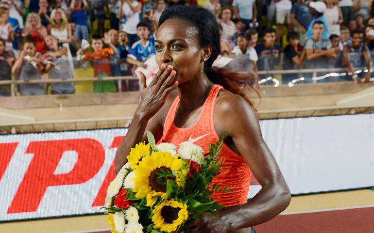 Genzebe Dibaba pulveriza el récord mundial de 1.500 metros