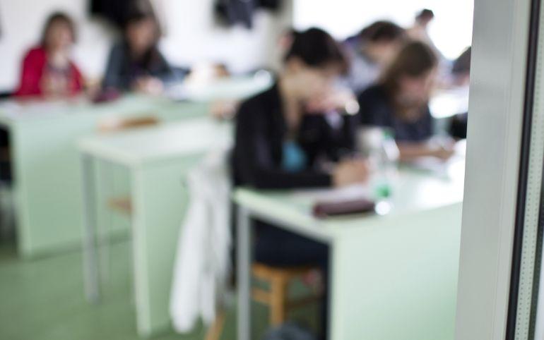 El PSOE pide dar el título de ESO a los alumnos de FP básica de forma directa hasta que se aprueben las reválidas