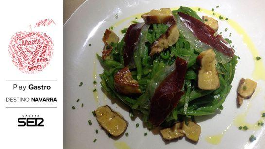 Judías verdes, alga wakame, jamón de pato y foie (Le Petit Comité).