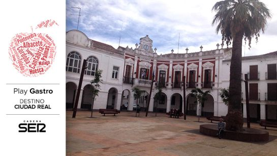 Fachada del Ayuntamiento de Manzanares.