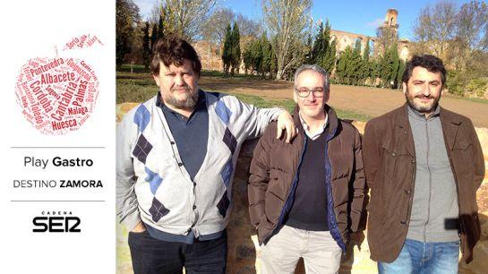 Mikel Zeberio, Justino Guerra y David Aragón (Petra Mora).