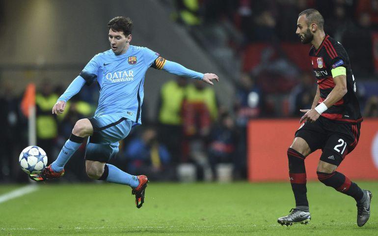 Leo Messi presionado por Oemer Tropak