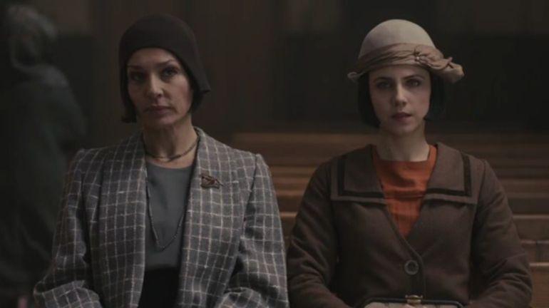 Natalia Millán y Aura Garrido en un capítulo de 'El Ministerio del Tiempo'