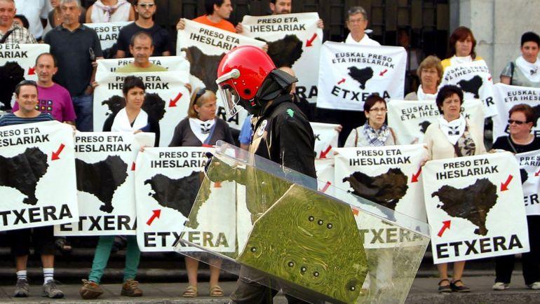 Concentración a favor del acercamiento de presos de ETA.