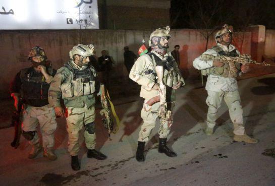 FOTOGALERÍA | Miembos de la Unidad de Respuesta a Crisis, en el ugar del ataque talibán