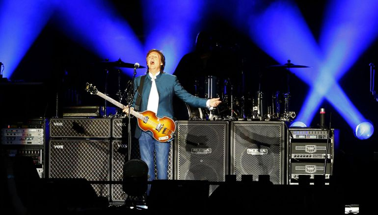 El británico Paul McCartney, durante el concierto en el estadio Vicente Calderón.