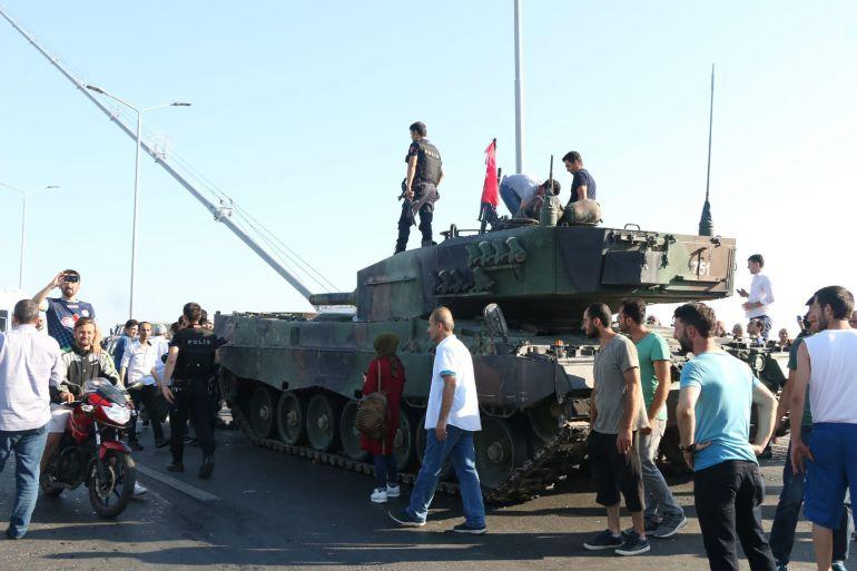 FOTOGALERÍA | Todas las imágenes del fallido golpe de Estado en Turquía