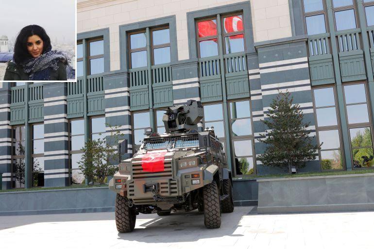 En la imagen superior, Beatriz Yubero. En la imagen central, un vehículo policial armado frente al palacio presidencial de Ankara