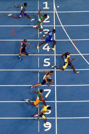 Bolt, líder en la meta de los 100 metros