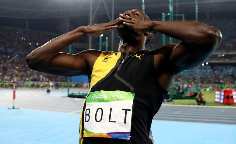 Bolt celebra su tercer oro olímpico consecutivo en los 100 metros