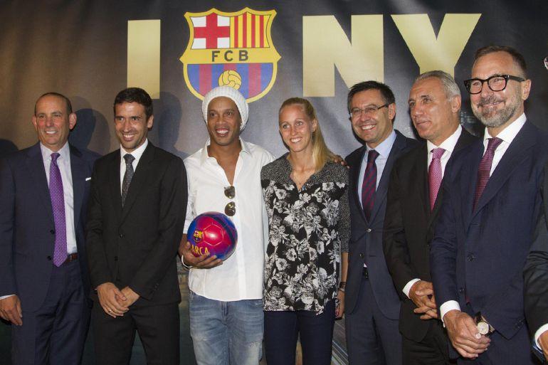 El madridismo se mosquea con ra l deportes cadena ser for Oficinas fc barcelona