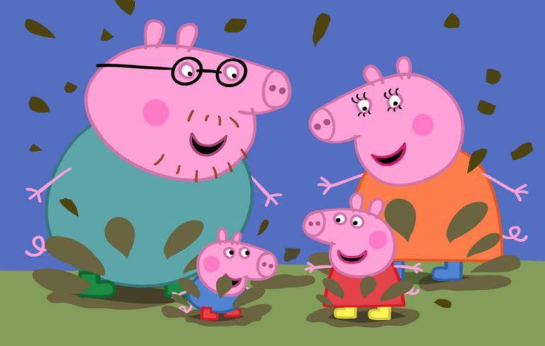Peppa Pig salta charcos de barro junto a su familia