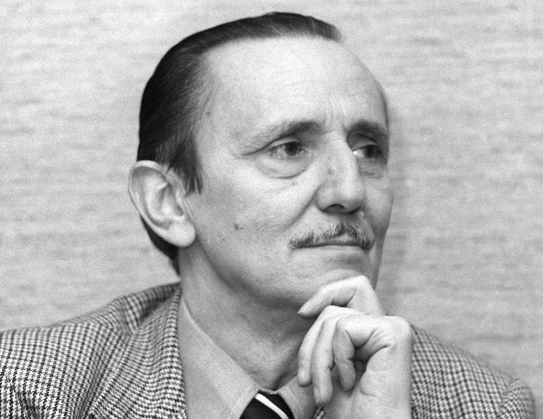 Retrato del dramaturgo y académico, Antonio Buero Vallejo. (Foto sin fecha, 1975).