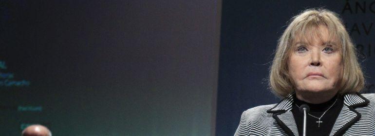 La jueza argentina María Servini pronuncia unas palabras tras recibir el Premio Abogados de Atocha el 24 de enero de 2015.