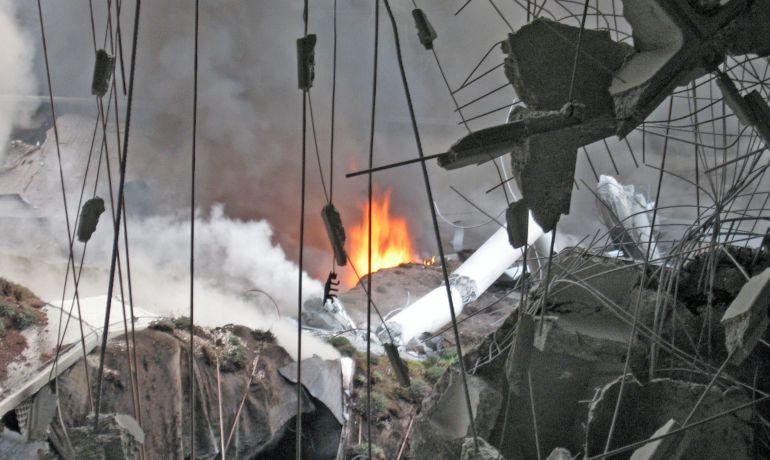 Imagen del aparcamiento de la T-4 de Barajas, nada más producirse el atentado de ETA el 30 de diciembre de 2006.