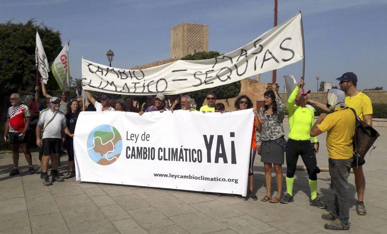 La marcha en bicicleta organizada por más de cuarenta asociaciones ecologistas europeas llega a la ciudad de Marrakech, donde se ha inaugurado hoy la cumbre del clima 2016.