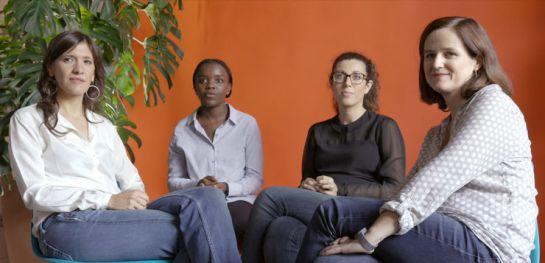 De izquierda a derecha, Eva, Laida, Cristina y Clara, las componentes de la cooperativa Femmefleur.