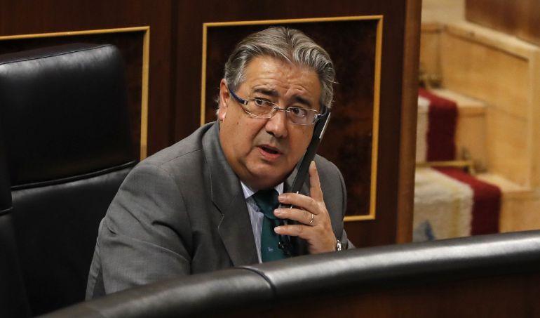 El ministro del Interior, Juan Ignacio Zoido, durante el pleno del Congreso de los Diputados