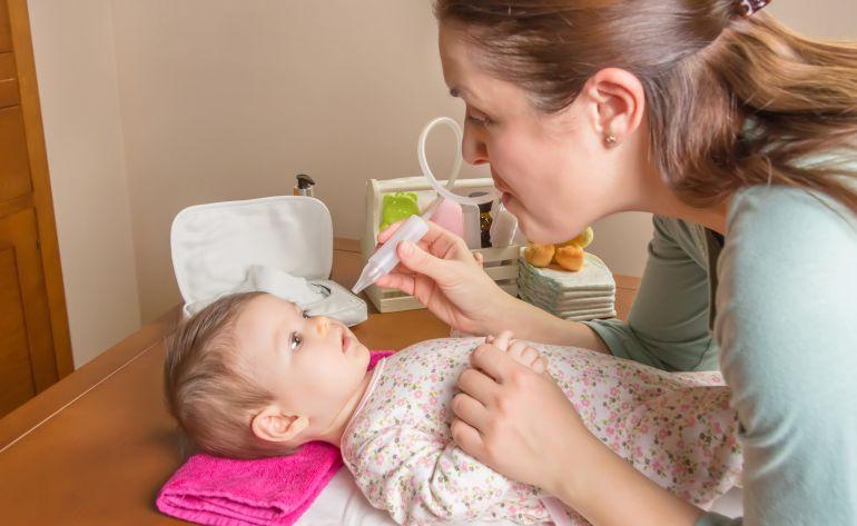 Los pediatras recomiendan en lavado nasal.