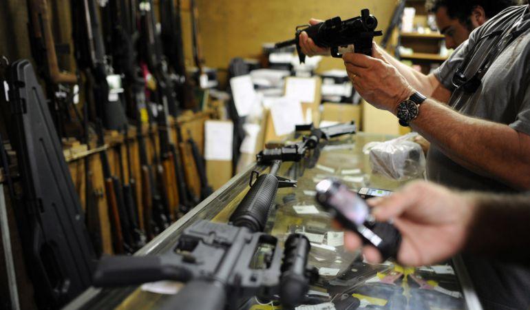 La venta de armas se incrementa en Estados Unidos.