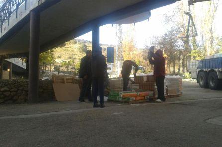 Inmigrantes trabajando en las obras de las instalaciones