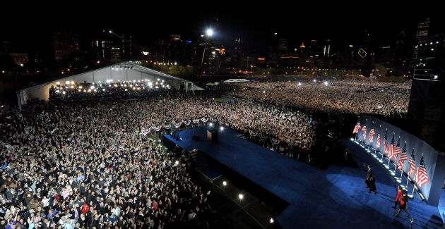 Miles de personas abarrotaron el Grant Park de Chicago para escuchar a Obama el 5 de noviembre de 2008.