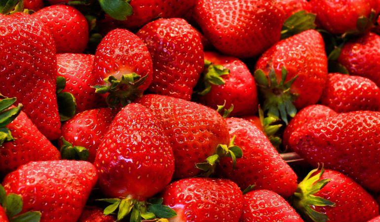Así es como debes comer una fresa para sacarle el máximo sabor posible.