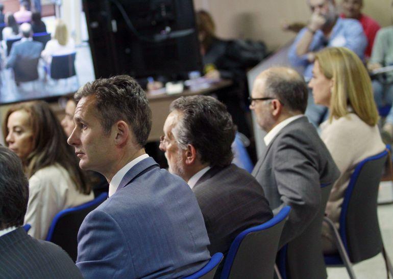 Iñaki Urdangarin y Cristina de Borbón, en el banquillo de los acusados.