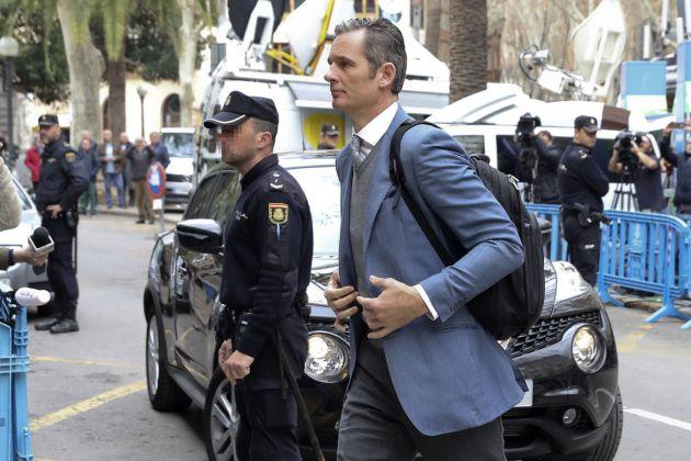 FOTOGALERÍA | Iñaki Urdangarin llega a la Audiencia de Palma.