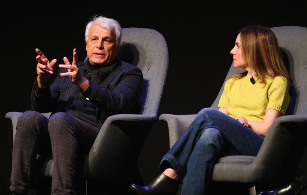 Michele Placido (director) y Gina Gardini (producción) hablan de 'Dark'