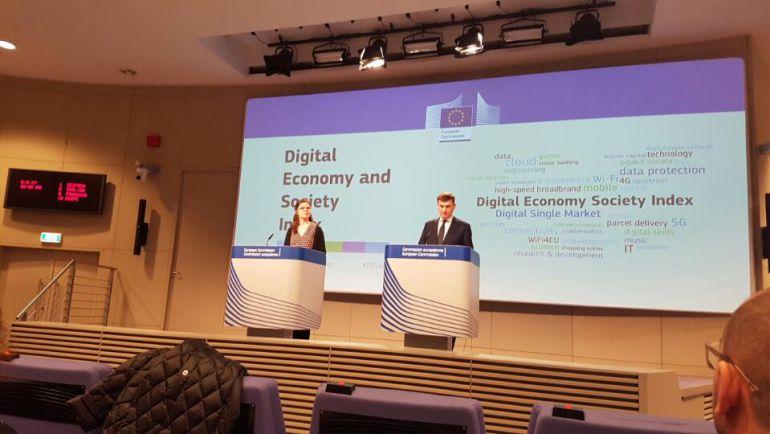 El vicepresidente encargado del Mercado Único Digital, Andres Ansip,presenta en rueda de prensa el Índice de la Economía y de la Sociedad Digitales (DESI) 2017