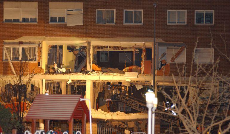 Siete autores materiales de los atentados del 11-M se suicidaron durante una operación policial en un piso de Leganés el 3 de abril de 2004.