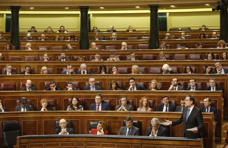 El presidente del Gobierno, Mariano Rajoy, durante la sesión de control al Gobierno.