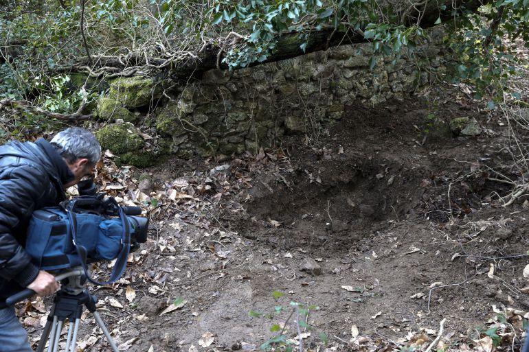 Un zulo de la banda terrorista ETA con siete bidones con material explosivo, aunque sin actividad reciente