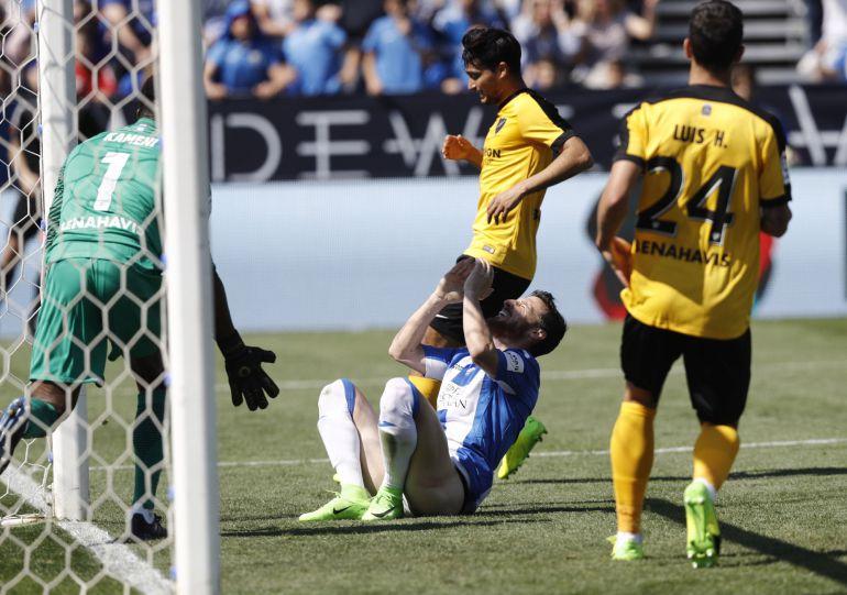 """El defensa del Leganés Roberto Román """"Tito"""" se lamenta tras una ocasión fallada durante el partido."""