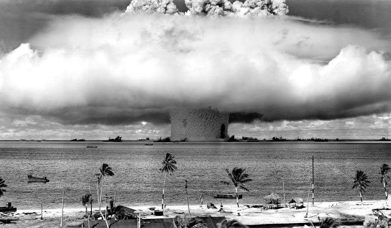 Prueba nuclear estadounidense en el atolón de Bikini (Micronesia), en 1946.
