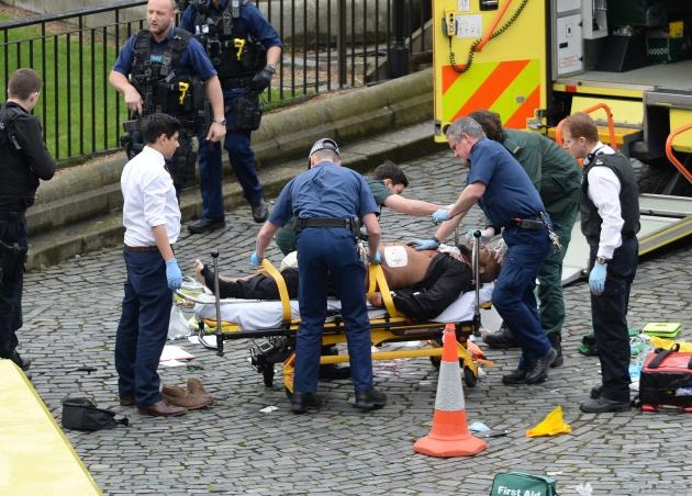 El supuesto agresor de Londres, atendido por los servicios de Emergencia