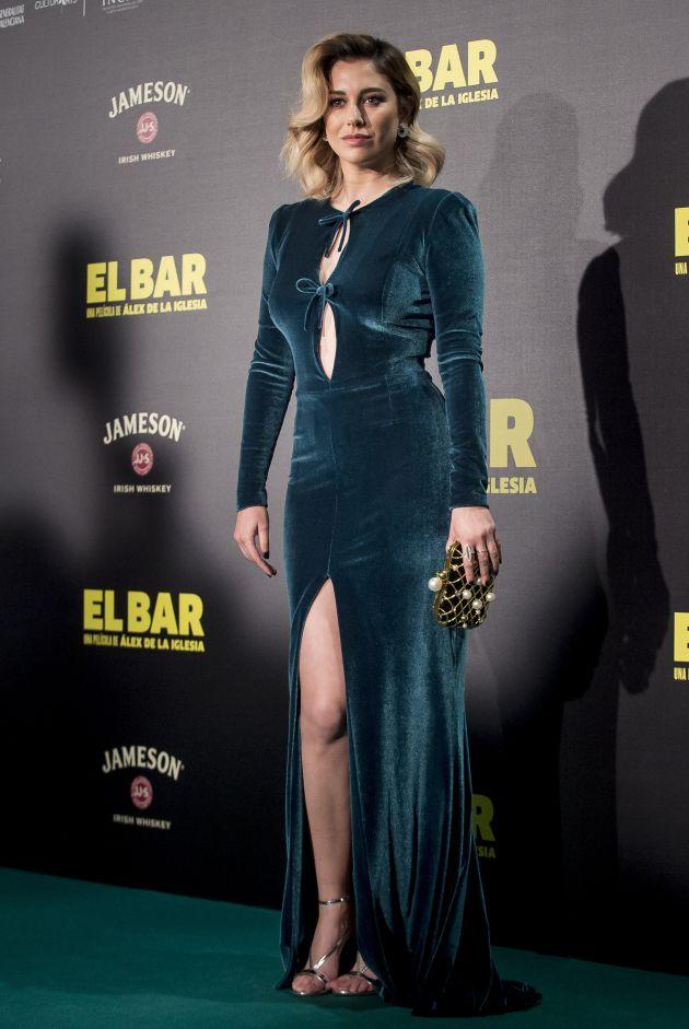 En esta imagen, el vestido de Blanca Suárez es verde.