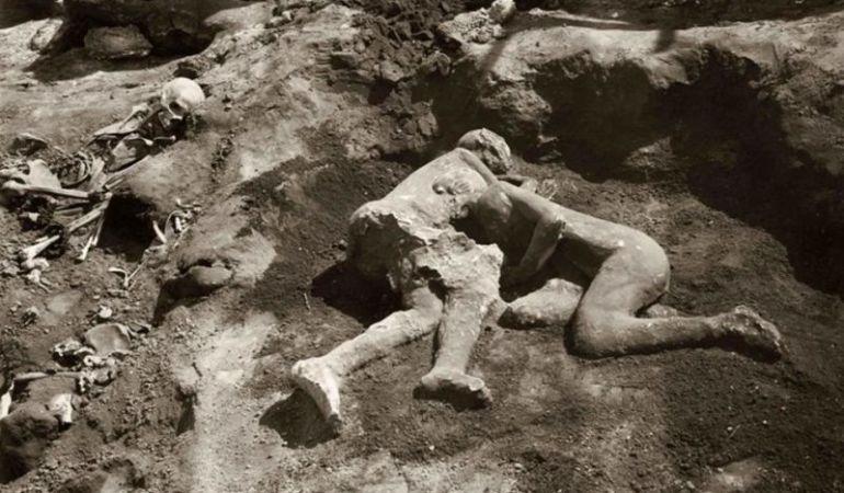 Los famosos cuerpos petrificados de Pompeya.