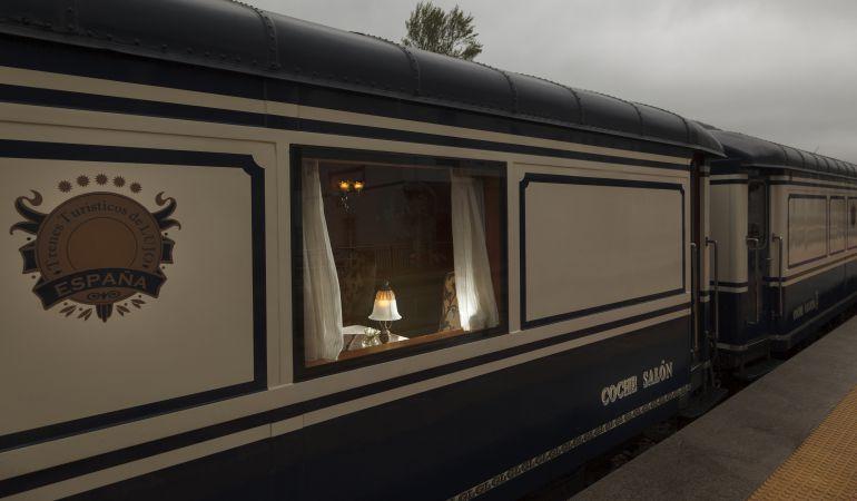 Imagen del tren de lujo Transcantábrico.