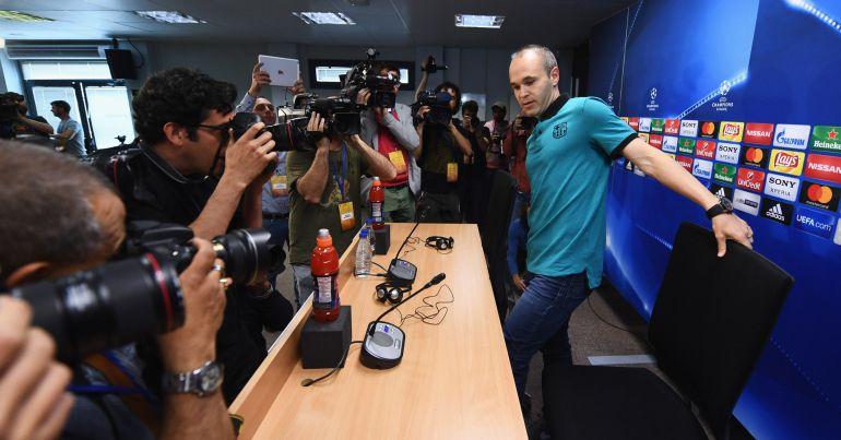 Andrés Iniesta, en la rueda de prensa previa al Barcelona - Juventus.