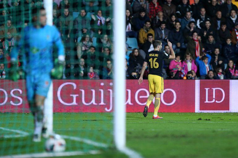 Vrsaljko celebra un gol con el Atlético